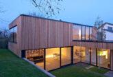 Architekturfotografie: Wohnhaus mit Holzfassade, Nürtingen