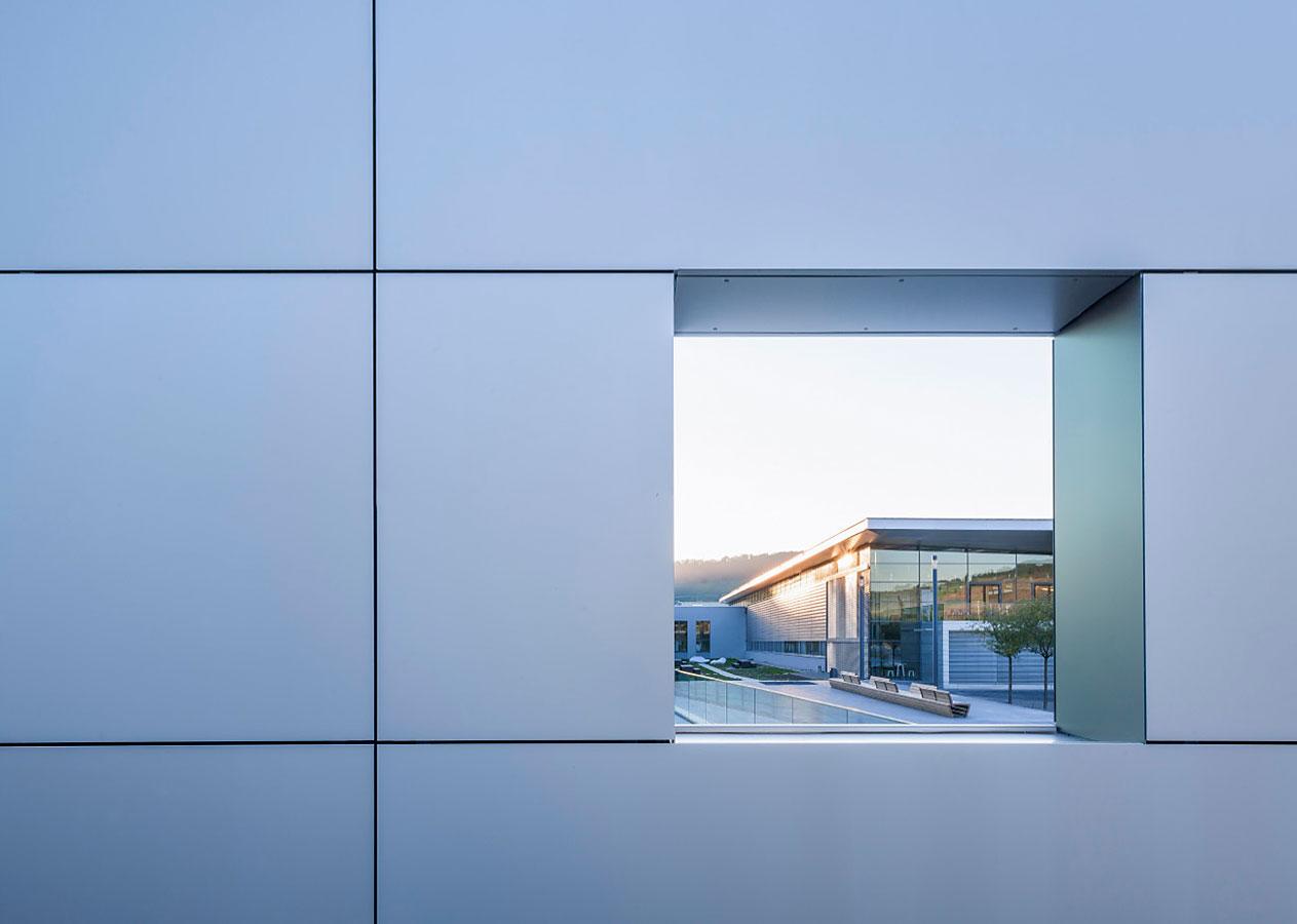 Industriefotografie: Bürkert Fluid Control Systems, Campusgebäude